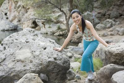 Quelles sont les caractéristiques des géologues Rechercher des Lorsque Observer un échantillon de roche?