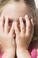 Comment enseigner les stratégies sociales à Shy enfants