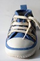 Quelle est la meilleure façon d'enseigner aux enfants à lacer leurs souliers?