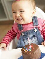 Comment faire votre première carte d'anniversaire propre bébé