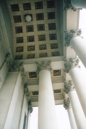 Différence entre travertin et marbre