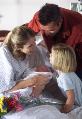 Cigares et cadeaux pour nouveaux bébés