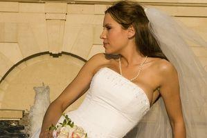 Guide pratique pour les cheveux de mariage Dos