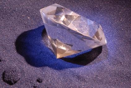 La différence entre réel et faux diamants