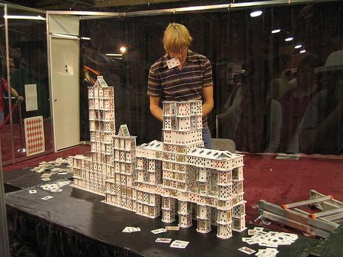 Comment empiler des cartes comme Bryan Berg
