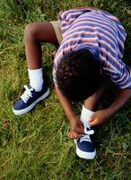 Comment apprendre à un enfant à Tie Shoes
