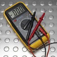 Instructions pour un UEI DN200 multimètre numérique
