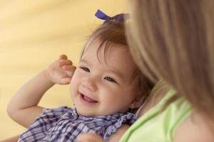 Comment garder les cheveux doux est une fille Bébé & Smooth