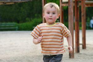 Comment discipliner un enfant qui exécute rapidement