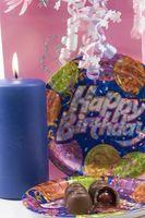 Comment faire pour créer vos invitations de fête d'anniversaire à thème propres