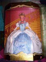 Combien Cendrillon 50e anniversaire Doll Worth Disney est?