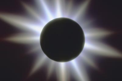Comment une éclipse solaire est différent d'un Eclipse lunaire?