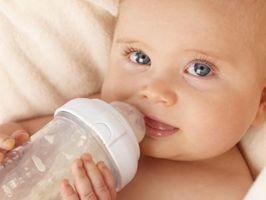 Avez-Bottle-Fed Babies Gain poids plus rapidement que les bébés allaités?
