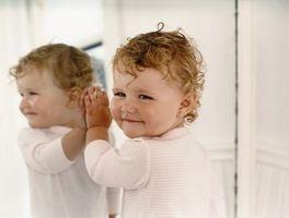 Activités sensorielles pour les nourrissons, les tout-petits et deux ans Olds