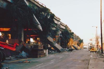 Quels sont les moyens que Earthquake Magnitude est mesuré?