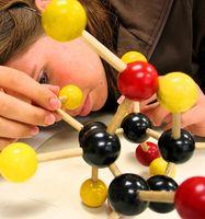 Pourquoi les Atomes électrique neutre?