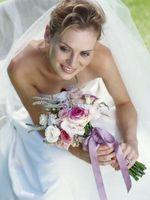 DIY soie bouquet de mariée dans le pourpre