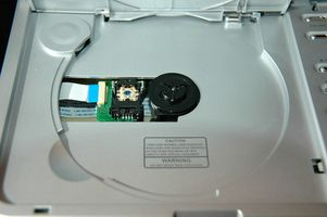 Comment nettoyer et régler un laser PS2 Slim Argent