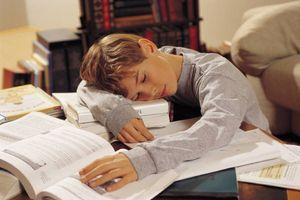Comment encourager un enfant à faire ses devoirs