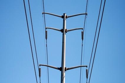 Règlement de l'aviation pour volant près de lignes électriques