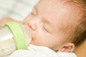 Alimentation des besoins d'un nouveau-né