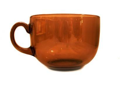 Comment percer dans une tasse de thé en verre
