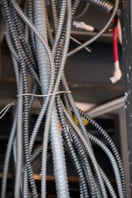 Comment connecter grands moteurs à courant alternatif