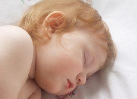 Pourquoi mon bébé dormir beaucoup pendant la journée?