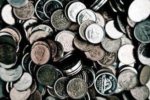Collectionneurs qui achètent des pièces