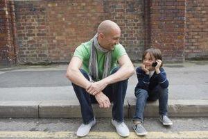 Comment apprendre à votre enfant les compétences de communication non verbale
