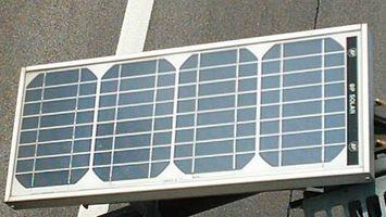 Comment connecter les batteries à un panneau solaire
