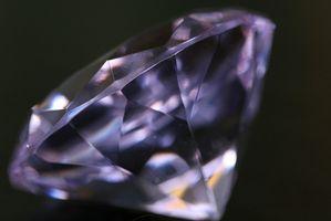 Comment savoir si un diamant bleu est réel?