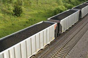 Comment calculer la force nécessaire pour déplacer une voiture de chemin de fer