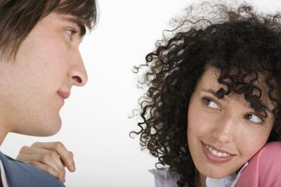 Quelles sont les causes de l'adolescence Relation la violence domestique?