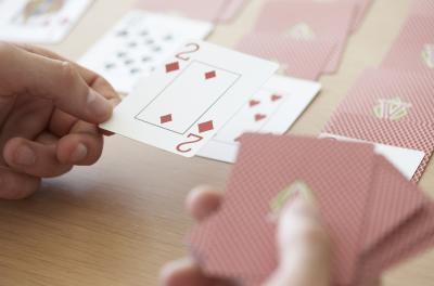 Jeux de cartes pour les enfants avec une seule personne