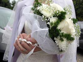 Comment faire des bouquets de mariée simples à partir de fleurs en soie