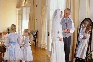 Comment décorer pour une très petite intérieure Cérémonie d'accueil de mariage