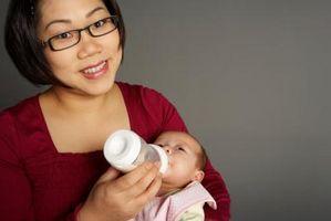 Bébé pratiques d'alimentation dans les Temps Anciens