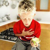 Les aliments qui posent les plus grands risques d'étouffement pour les enfants