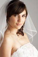 Comment faire pour trouver une coiffure de mariage pour un visage en forme de diamant