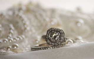 Bagues de fiançailles dans les 18e et 19e siècles