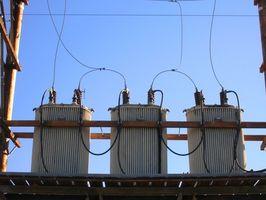 Comment calculer Amps dans une phase Circuit Trois