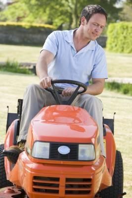 Comment construire un moteur Racing Lawn Mower