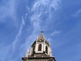 Comment planifier une messe funéraire catholique