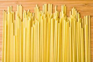 Instructions sur la façon de construire un pont Pasta