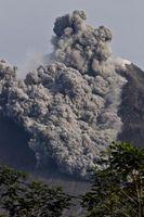 Quelle est la différence entre Lava & Pyroclastic Matériel?