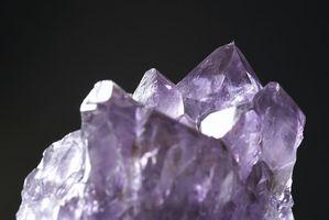 Caractéristiques communes des cristaux naturels