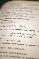 Comment résoudre les équations linéaires Quadratic