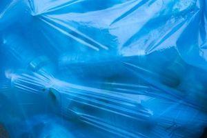 Quels sont certains des ressources non renouvelables et renouvelables qui peuvent être recyclés?