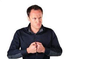 Quels sont les signes d'un mari violent verbalement?
